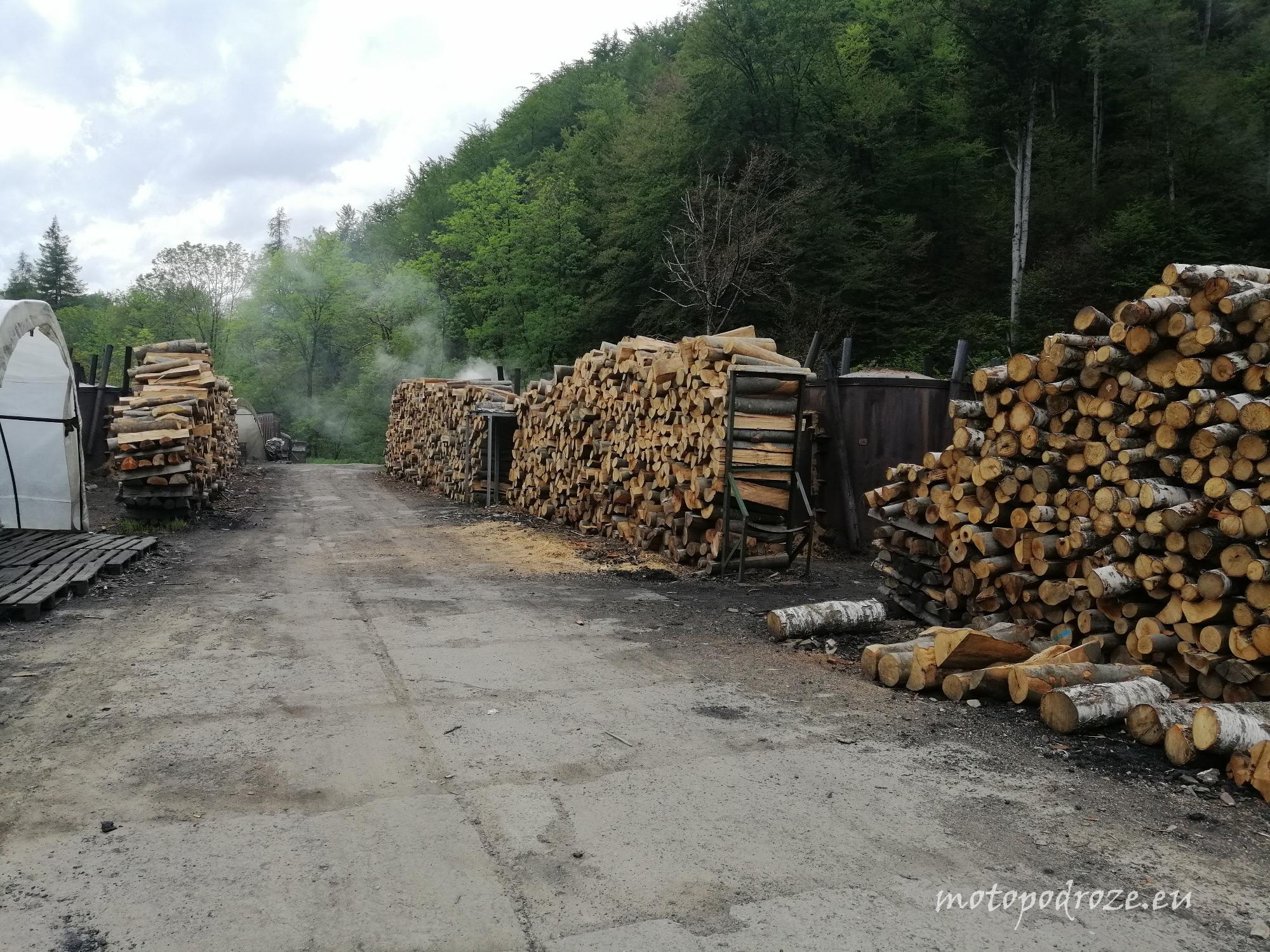Wypał węgla drzewnego